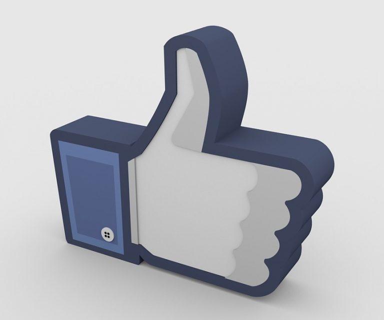 Le fameux pouce de Facebook en 3D