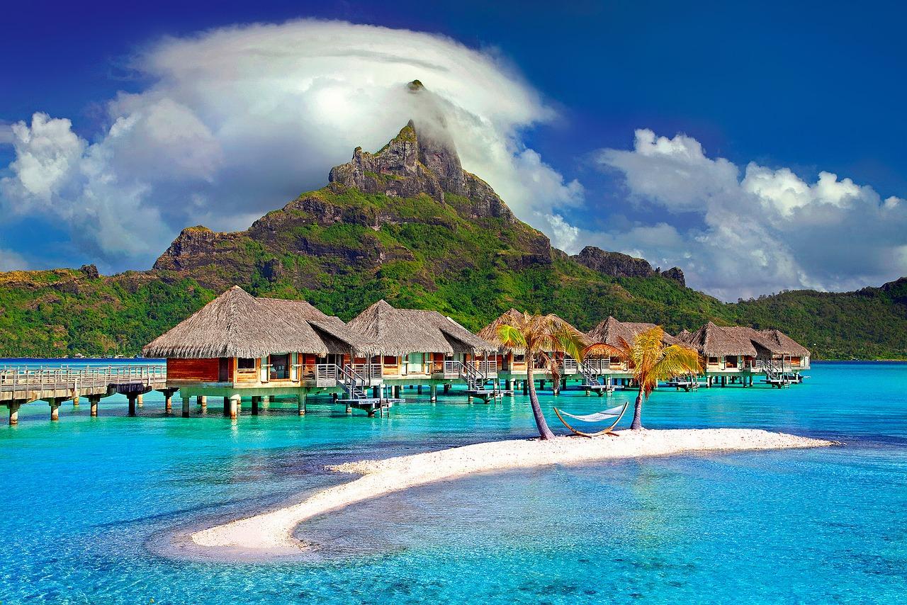 Bora Bora, à 260 km de Papeete